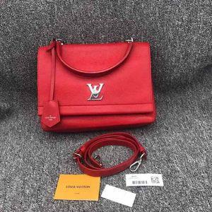 Louis Vuitton 路易·威登女士红色牛皮邮差包