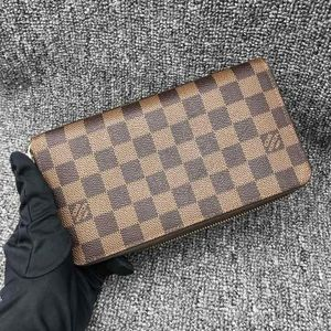 Louis Vuitton 路易·威登大号棕棋盘钱包手拿包