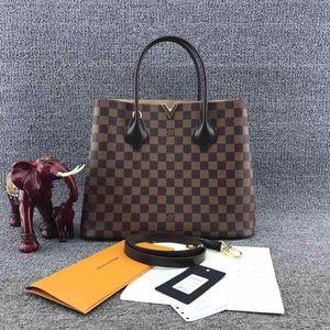 Louis Vuitton 路易·威登经典棋盘格V扣手提包