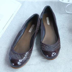 Bottega Veneta葆蝶家XZ10003深紫色镂空皮鞋