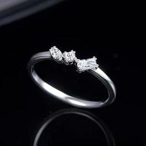 SWAROVSKI 施华洛世奇女士水晶戒指