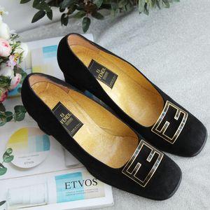 FENDI 芬迪黑色麂皮双F金扣高跟鞋