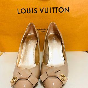 Louis Vuitton 路易·威登裸色小跟高跟鞋
