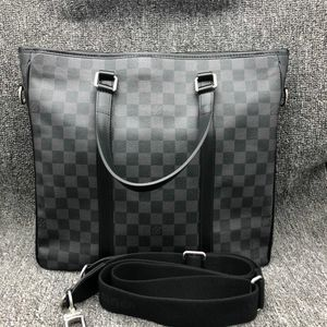 Louis Vuitton 路易·威登男士灰棋盘手提单肩公文包