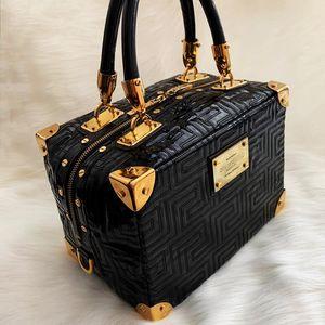 Versace 范思哲重工限量款黑金漆皮压纹手提包