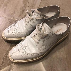 PRADA 普拉达白色休闲鞋
