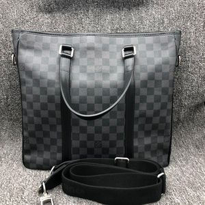 Louis Vuitton 路易·威登男士灰棋盘单肩手提公文包