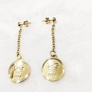 DOLCE&GABBANA 杜嘉班纳金色徽章耳环