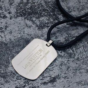 Louis Vuitton 路易·威登毛衣吊坠