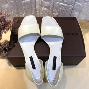 Louis Vuitton 路易·威登中跟女士凉鞋