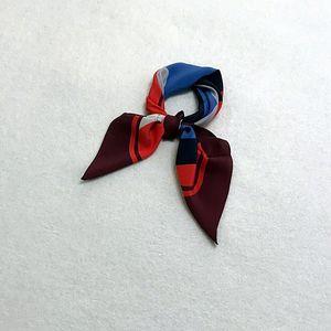 Marc Jacobs 马克·雅可布波普印花真丝丝巾