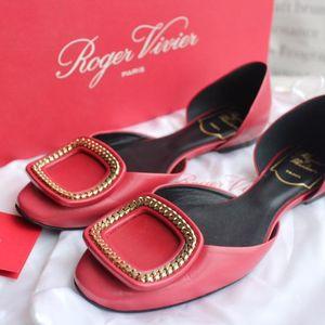 Roger Vivier 罗杰·维维亚经典款大红色方扣浅口平底鞋34.5码