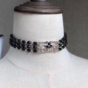 Versace 范思哲黑色珠珠丽花chocker项链