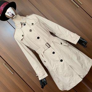 Burberry 博柏利英伦风情时尚休闲连帽风衣