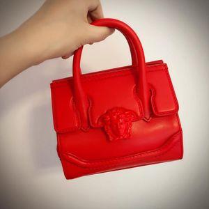 Versace 范思哲经典款红色手提包