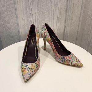 Kate Spade 凯特·丝蓓经典款花布面高跟鞋
