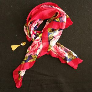 Yves Saint Laurent 伊夫·圣罗兰FJ05042红玫瑰夏季薄款丝巾