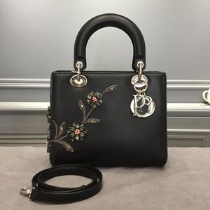 Dior 迪奥女士黑色小牛皮水晶花朵刺绣Lady限定款手提单肩包