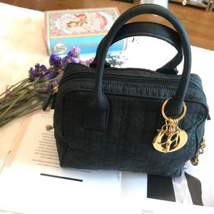 Dior 迪奥黑色金扣菱格手提包