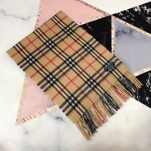 Burberry 博柏利经典小格子驼色羊绒围巾