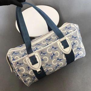Celine 赛琳马车波士顿手提包