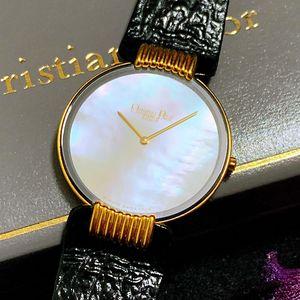Dior 迪奥超薄镀金白贝母大表盘石英表