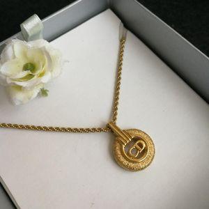 Dior 迪奥XL02005字母logo花环镀金坠金丝项链