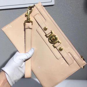 Versace 范思哲浅粉色漆皮美杜莎手包
