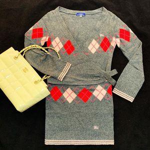 Burberry 博柏利大V领菱格纹羊毛针织套装