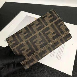 FENDI 芬迪男女经典老花双F字母logo中长款钱包