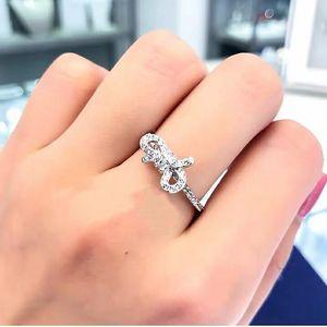 SWAROVSKI 施华洛世奇银色蝴蝶结戒指