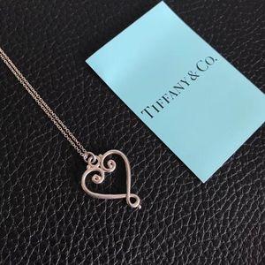 Tiffany & Co. 蒂芙尼绝版925银爱心花项链