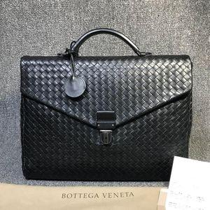 Bottega Veneta 葆蝶家黑色牛皮按扣手提公文包