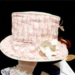 Dior 迪奥限量款老花镶钻珍珠花饰礼帽