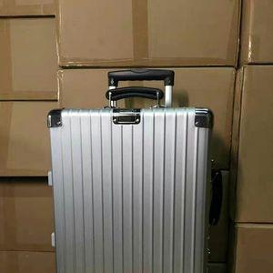 RIMOWA 日默瓦复古款行李箱