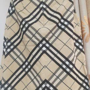 Burberry 博柏利半身裙