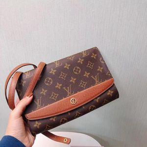 Louis Vuitton 路易·威登老花红皮复古信封包