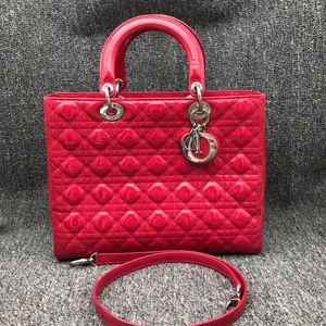 Dior 迪奥红色漆皮七格戴妃单肩手提包