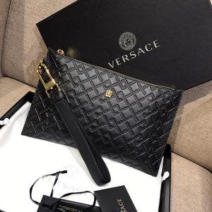Versace 范思哲新款黑金美杜莎方纹印花小号信封手包
