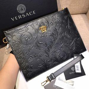 Versace 范思哲黑金立体藤蔓印花大号手包