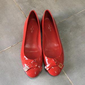 Louis Vuitton 路易·威登红色平跟鞋