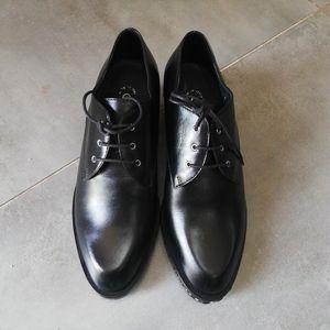 CHANEL 香奈儿低跟皮鞋