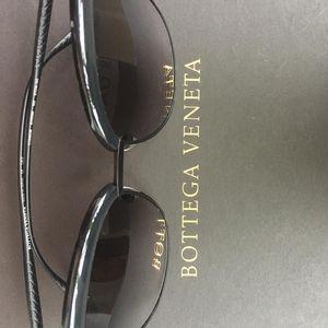 Bottega Veneta 葆蝶家男士个性时尚潮流黑色蛤蟆镜太阳镜
