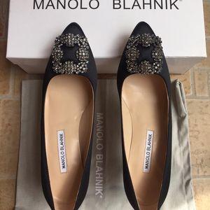Manolo Blahnik 马诺洛黑色经典缎面高跟鞋