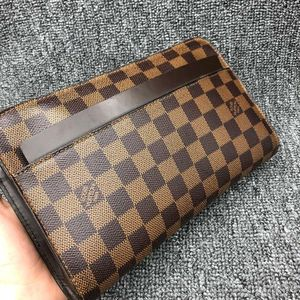 Louis Vuitton 路易·威登棕棋盘格手拿包
