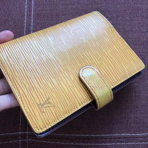 Louis Vuitton 路易·威登水波纹手账笔记本卡夹