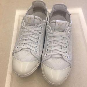 Louis Vuitton 路易·威登女款休闲鞋35码