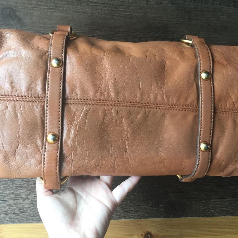 MiuMiu缪缪棕色手提包