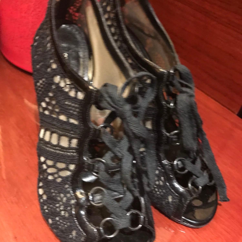 DG杜嘉班纳蕾丝高跟鞋