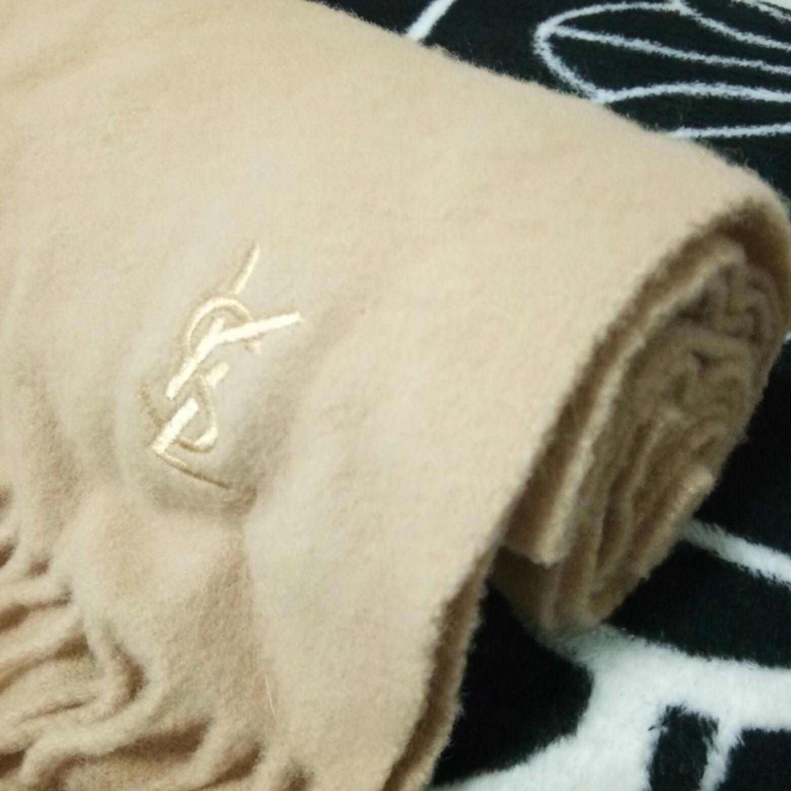 YSL圣罗兰羊毛围巾